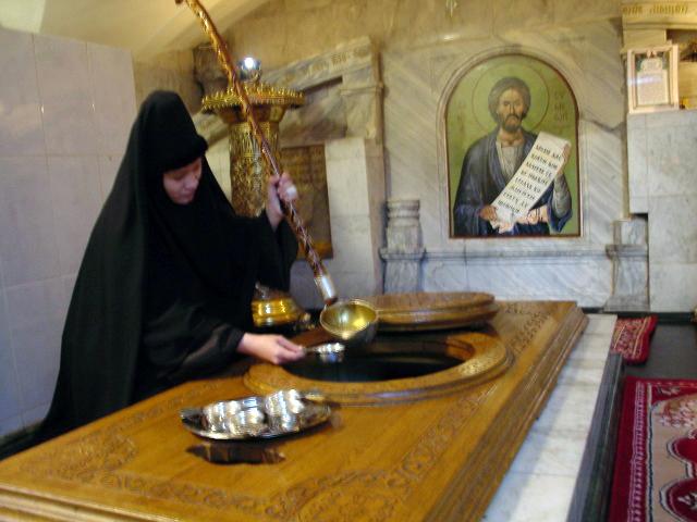 Гробница праведного Симеона с цельбоносным источником