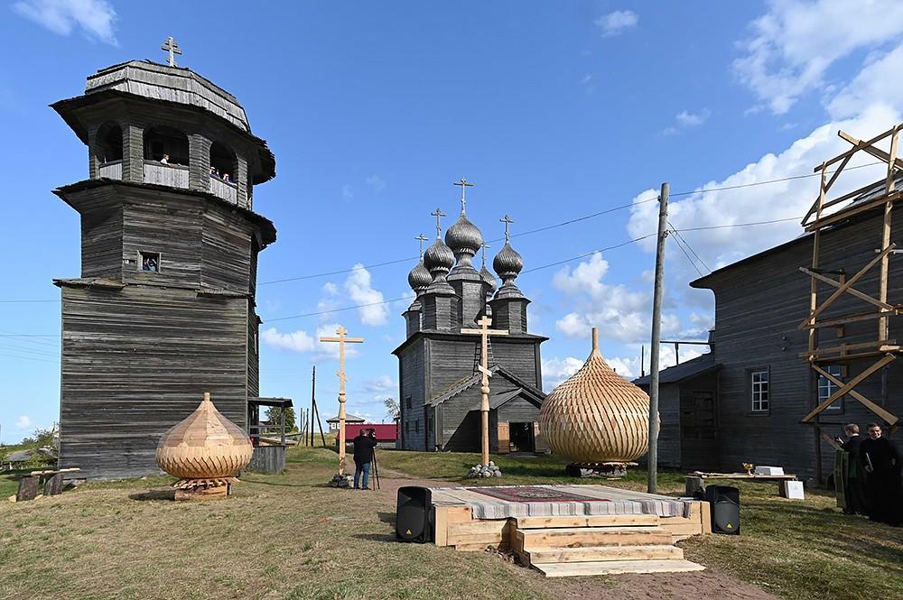 Часовня, Никольская и Введенская церкви Ворзогор