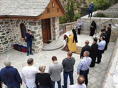 Αγιασμός στο Μύλο του Οσίου Σιλουανού του Αθωνίτη στην Ιερά Μονή Αγίου Παντελεήμονος του Αγίου Όρους