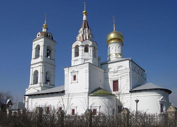 Храм вмч. Димитрия Солунского в подмосковном селе Дмитровское передан в собственность Церкви
