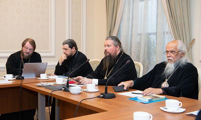 В Москве обсудили вопросы пастырского попечения о священнике в кризисной ситуации