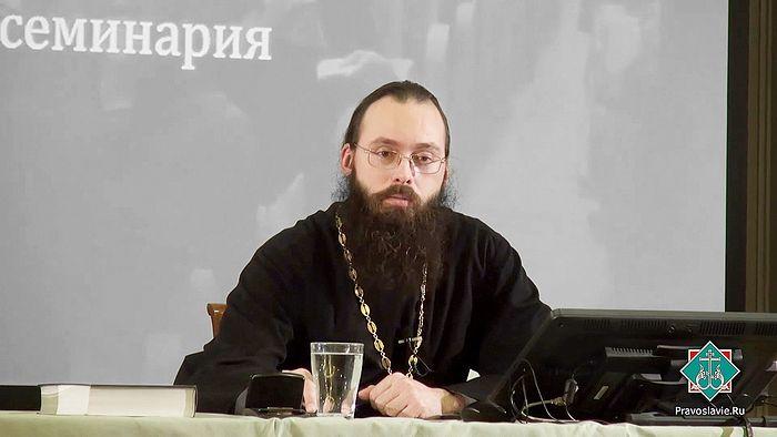 Ο ιερέας Βαλέριος Ντουχάνιν