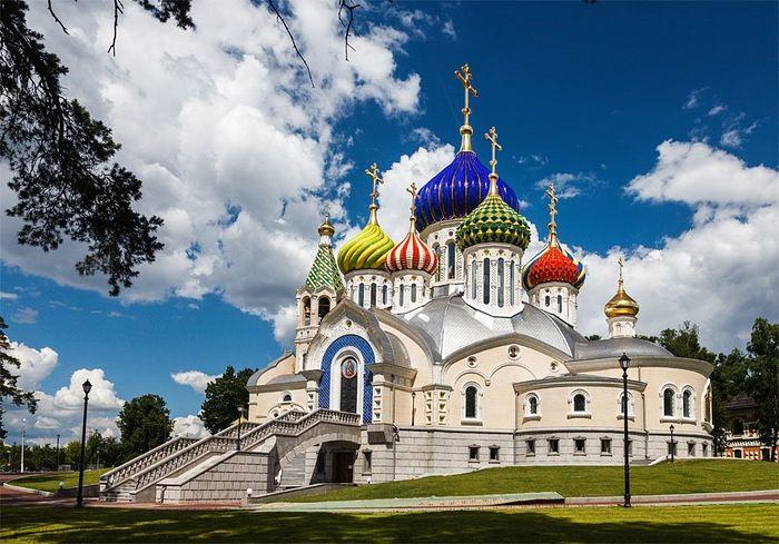 Соборный храм благоверного князя Игоря Черниговского в Переделкино