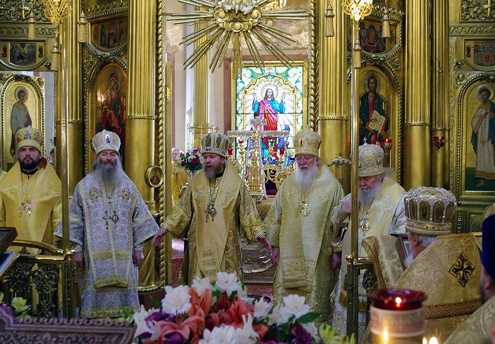 Литургия на следующий день после открытия выставки – в день назначения на игуменство в Псково-Печерском монастыре отца Алипия