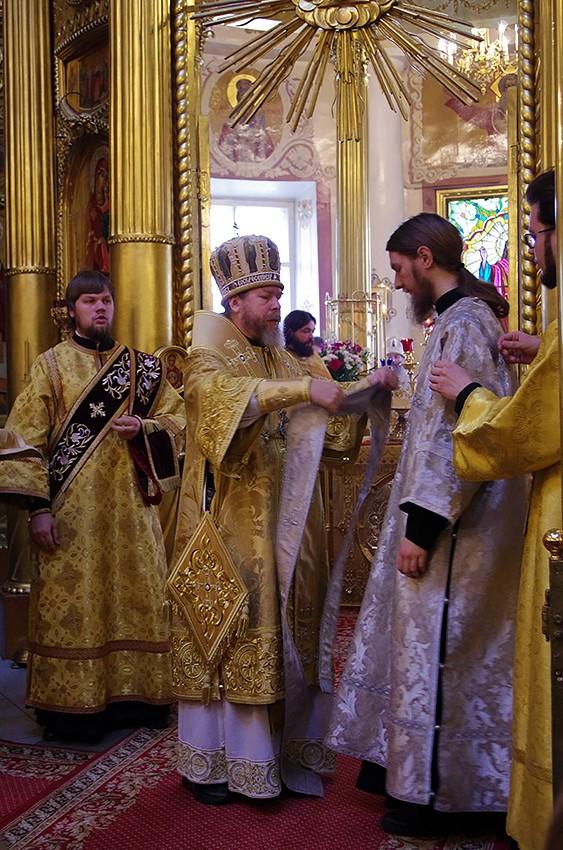 Рукоположение монаха Анастасия во иеродиакона на Литургии в день памяти архимандрита Алипия