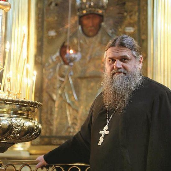 Τώρα ο πατήρ Αλέξανδρος είναι πρωθιερέας