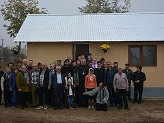 Romanian parishes build new home for elderly couple in time for winter