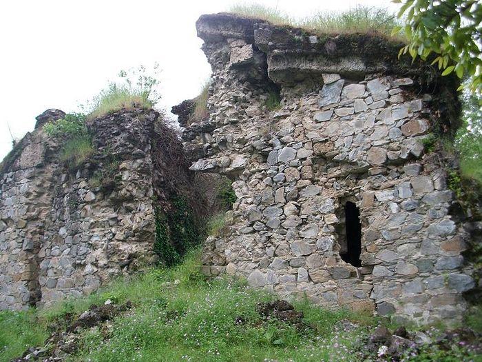 The Seven Church Monastery complex is still awaiting repairs. Photo: karibche.ambebi.ge