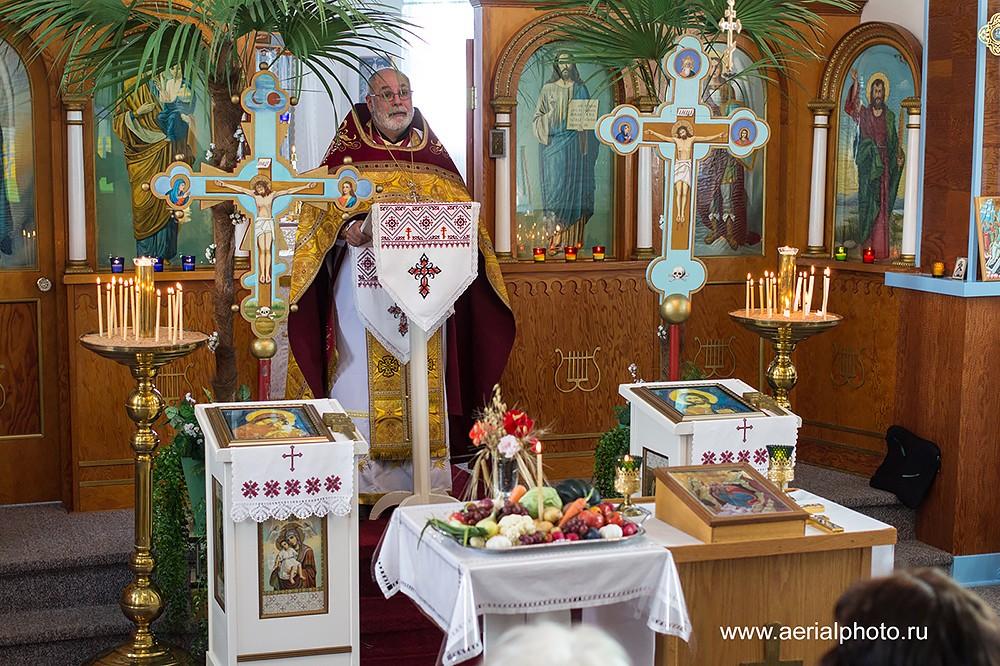 Служба в церкви Святого Илии. Пакан, Альберта