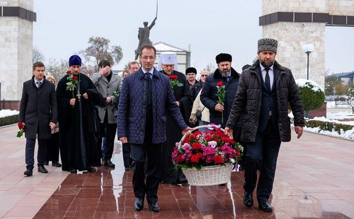 Делегация Мурманской митрополии участвовала в Межрегиональном форуме в Чечне