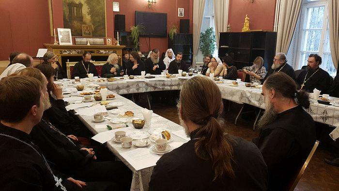 В храме царевича Димитрия прошло 12-е заседание Комиссии по больничному служению