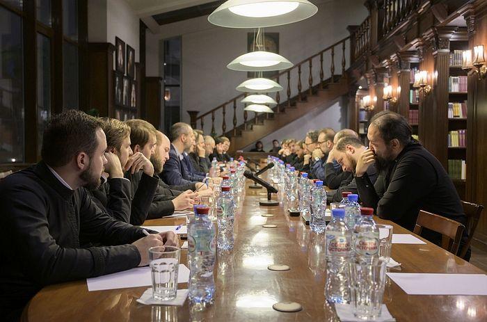 В Сретенской семинарии прошел круглый стол на тему «Искусственный интеллект - взгляд ученых и оценка Церкви»