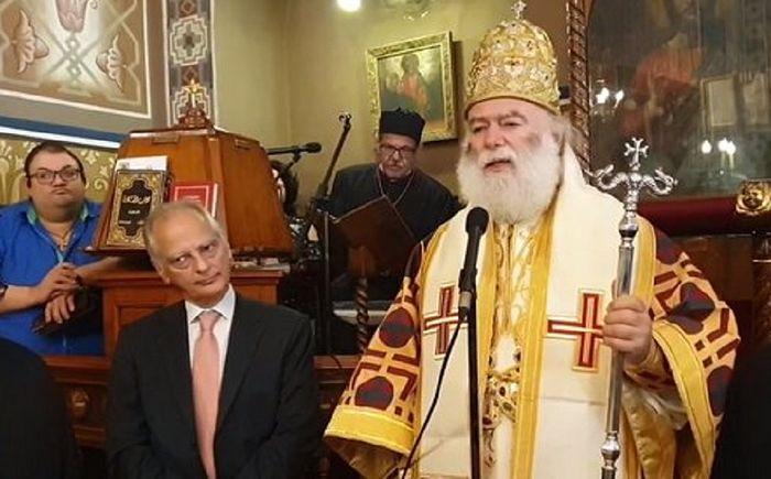 Патриарх Феодор и посол Греции в Египте на объявлении о внесении Епифания в диптихи. Каир, Египет