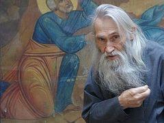 Ο Γέροντας Ηλίας μιλά γιά τον Άγιο Σιλουανό, τον Άθω και την έννοια τής προσευχής