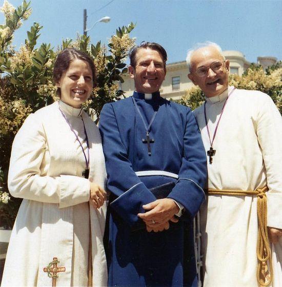 Пол Блайтон (справа), основатель «Священного ордена МАНС». Фото: Facebook
