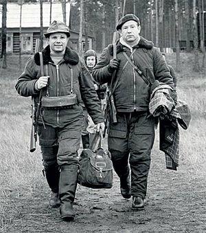 Юрий Гагарин и Алексей Леонов на охоте