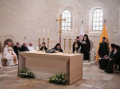 Patriarch Bartholomew and Athonite abbot and hieromonk pray Vespers with Catholics in Belgium