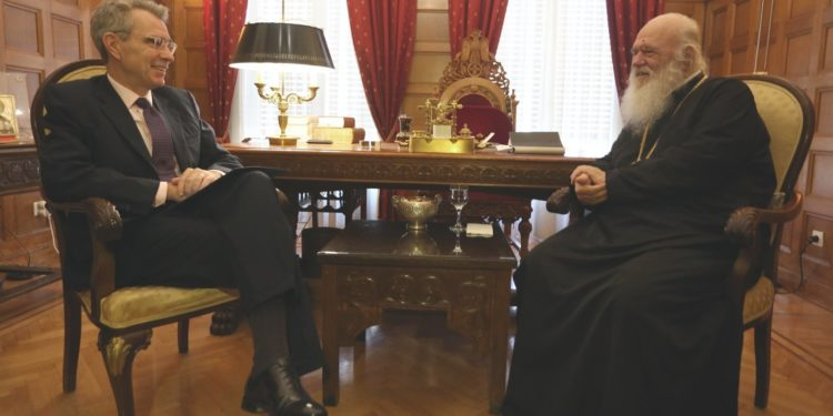 После встречи с послом США Предстоятель Элладской Церкви сделал заявление: Если кто-то из Предстоятелей позовет нас, я скажу «нет»