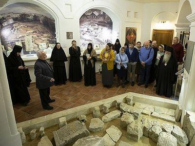 В Зачатьевском монастыре прошел обучающий семинар по сохранению памятников церковной архитектуры и искусства
