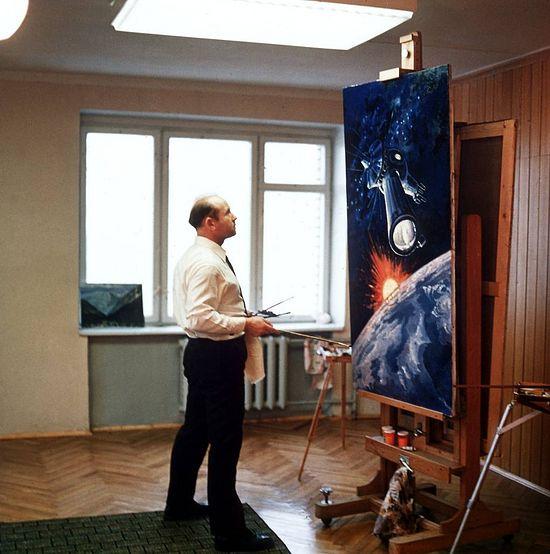В своей мастерской за работой, 1979 год. Фото: Альберт Пушкарев/ТАСС