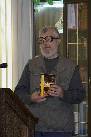 Алексей Валерьевич Артемьев со своей книгой о святителе Киприане