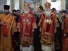OCA celebrates 25th anniversary of Moscow representation church with Patriarchal Liturgy, symposium