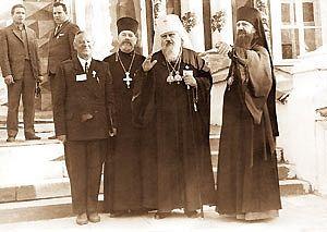 На Поместном Соборе 1971 года с Митрополитом Пименом (будущим Святейшим Патриархом)