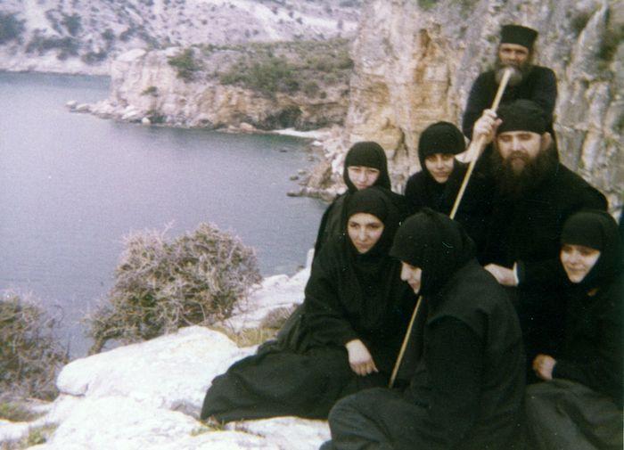 Геронда с сестрами