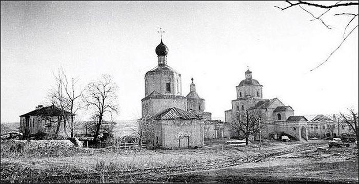 Рыльский Свято-Николаевский мужской монастырь, начало 90-х годов