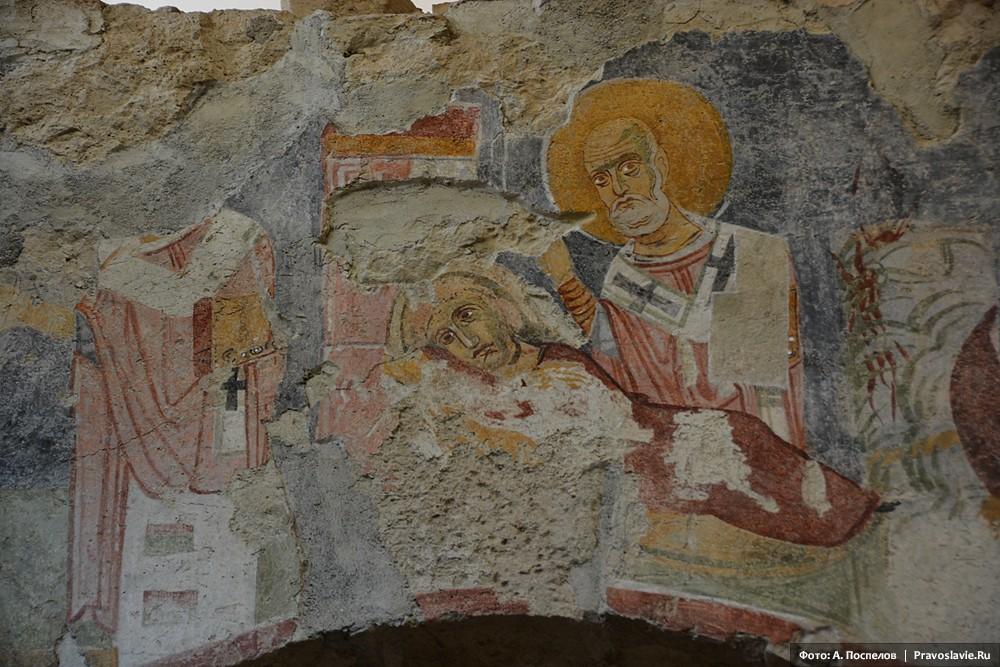 Святитель Николай, фреска