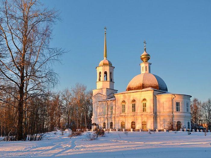 Свято-Троицкий Собор в городе Онега