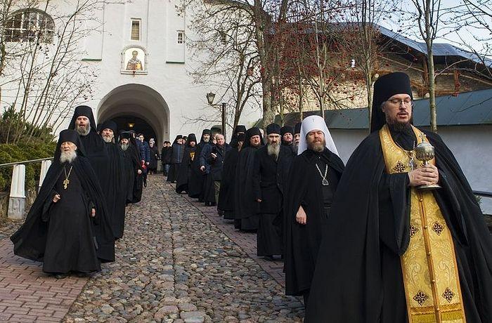 Никољски храм Псково-Печерског манастира