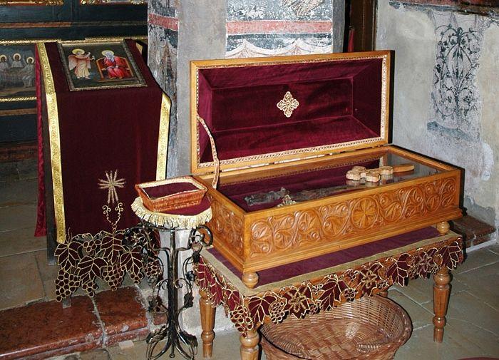 Ковчег в частицами мощей святых Бранковичей в монастыре Крушедол. Фото: иером.Игнатий (Шестаков)
