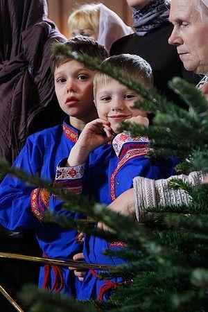 Дети на службе, Москва. Фото: Патриархия.Ru