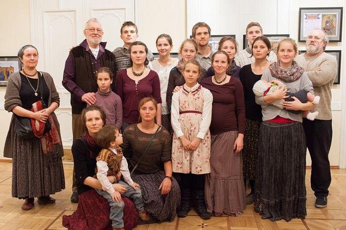 Алексей Валерьевич Артемьев с семьей
