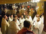 Клирики Русской духовной миссии в Иерусалиме совершили Литургию в пещере Рождества Христова в Вифлееме