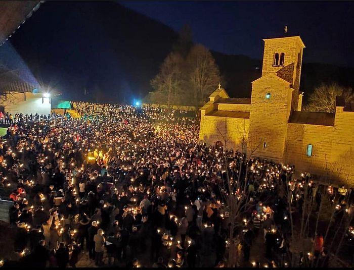 Беране. Народная молитва у монастыря св. Георгия