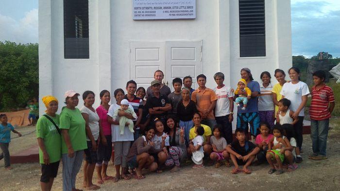 Οι ενοριακοί της Ορθόδοξης Εκκλησίας στο Μπιτς Μπάγκουο (Μιντανάο, Φιλιππίνες)