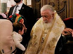Patriarch Ilia becomes Godfather to another 500+ children in 62nd mass Baptism (+VIDEO)