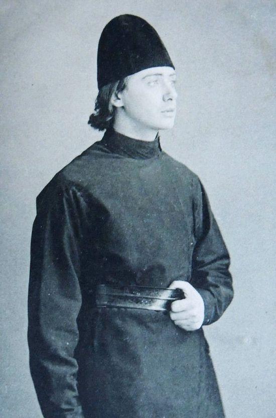 Ο ηθοποιός Βλαδίμηρος Γκοτόβτσεβ ως Αλιόσα, στο έργο Αδελφοί Καραμάζοφ