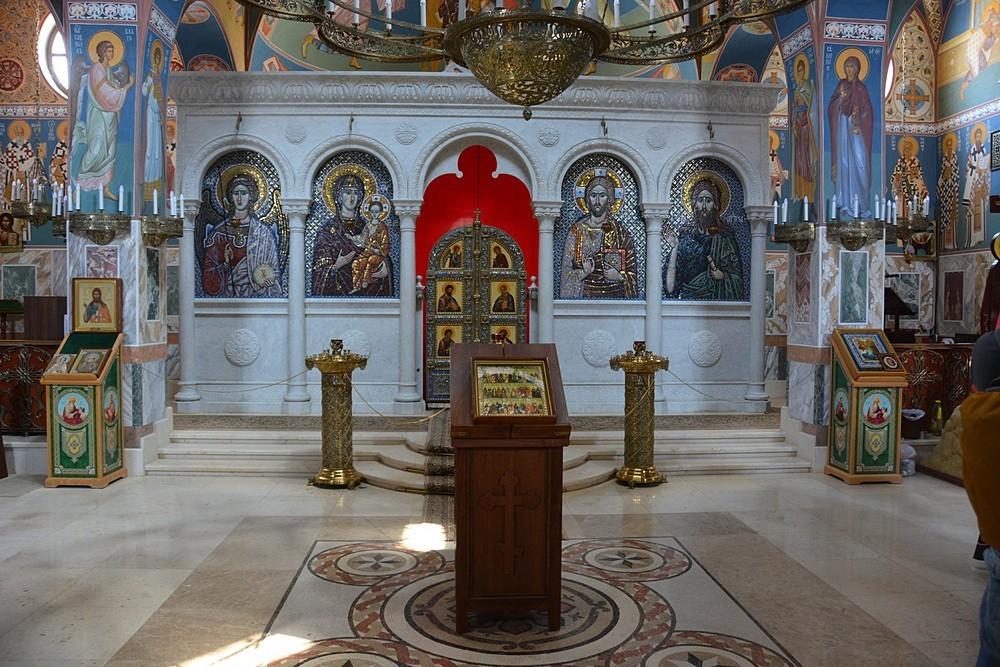 Интерьер храма при Русской духовной миссии