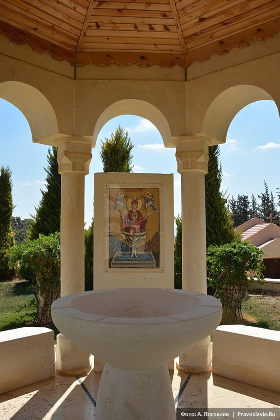 Дибин, монастырь в честь иконы Божией Матери «Живоносный Источник»