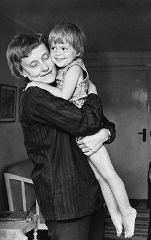Астрид Линдгрен с дочкой Карин