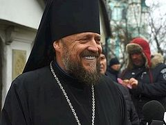 Court orders Migration Service to return citizenship to Ukrainian bishop who was deported under Poroshenko