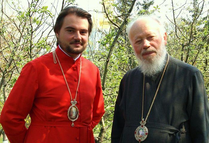 Metropolitan Vladimir (right), and Drabinko