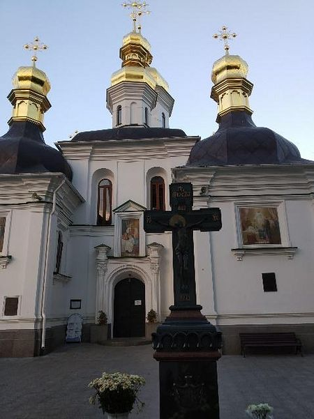 The Grave of Metropolitan Vladimir in front of the Academy Church in Kiev Caves Lavra. Photo by Matfey Shaheen.