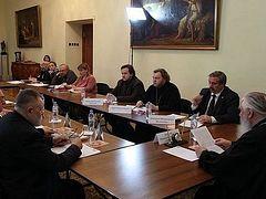 В Издательском совете прошел круглый стол «Современная русская литература о Великой Отечественной войне»