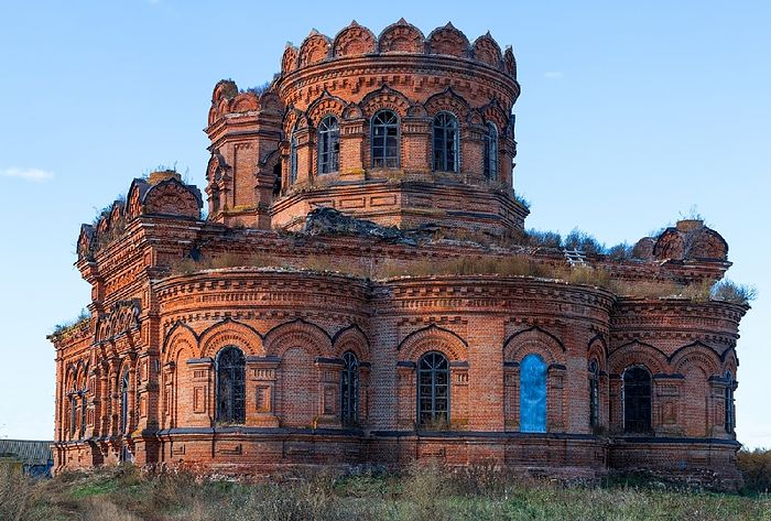 Храм в селе Кутьино Новобурасского района
