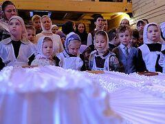 В Ивановском простились с погибшими при пожаре детьми
