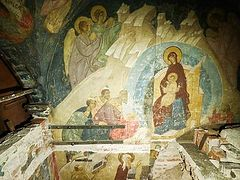 New sections of 15th-century frescoes discovered in Kremlin's Dormition Cathedral